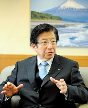 県 知事 静岡
